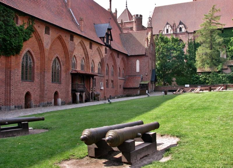 Malbork_Marienburg_Innenhof_Mittelschloss